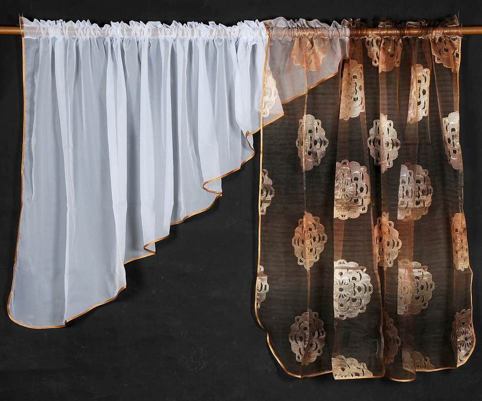 Záclona BROWN VOILE 135x400cm