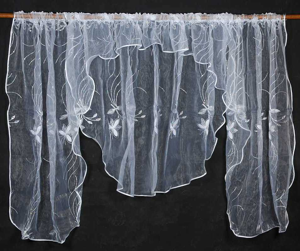 Záclona LARIO 135x400cm