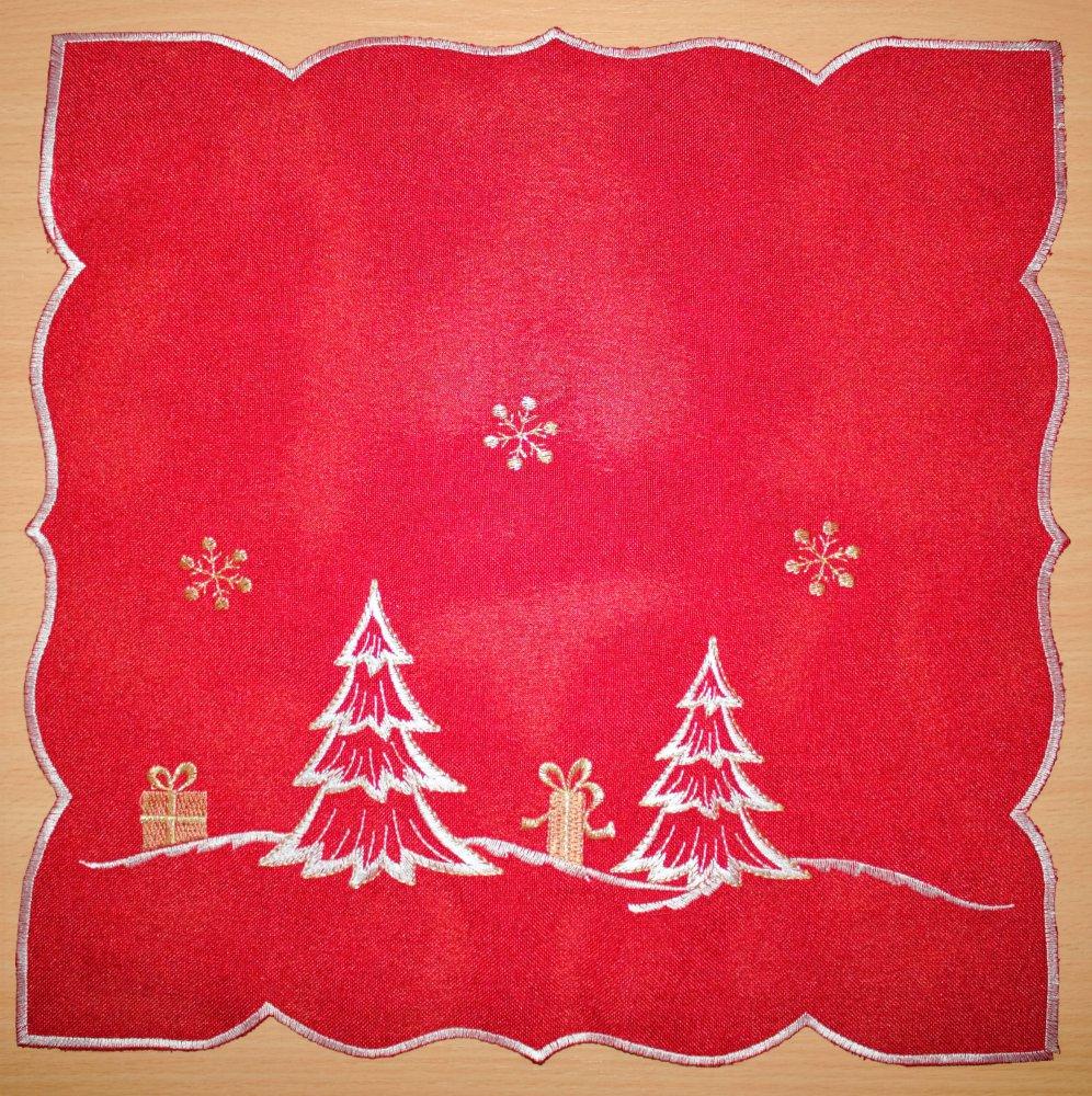 Vánoční ubrus vyšívaný - stromek 35 cm