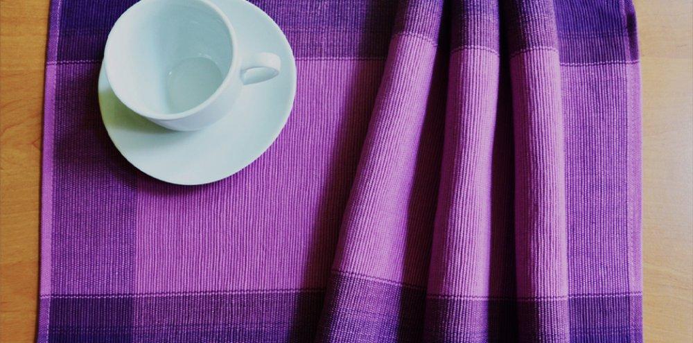 Prostírání fialové