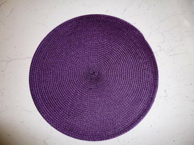 Prostírání kulaté - tm. fialová